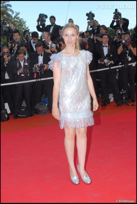 Sara Forestier, une robe à froufrous effet plastique au Festival de Cannes, en 2007. Elle sait comment faire son effet !