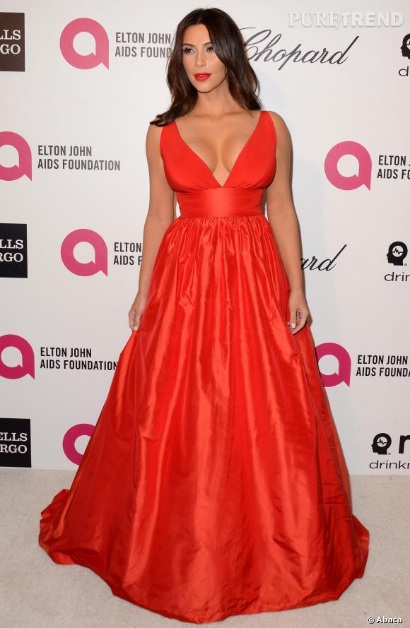 Kim Kardashian mise sur une robe Celia Kritharioti pour la soirée post-Oscars d'Elton John.