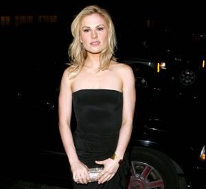 aeb1aed7ed Anna Paquin en 2008 dompte la petite robe noire et prouve que le blond est  définitivement
