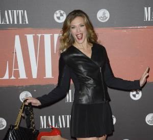 Les Enfoirés 2014 : la chanteuse Lorie en 15 robes sexy