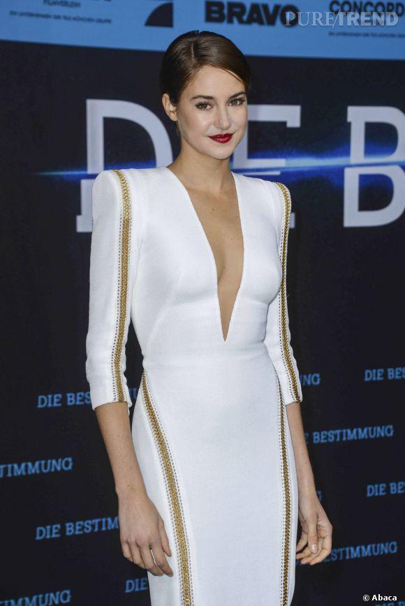"""Shailene Woodley s'offre une apparition sexy en Zuhair Murad pour l'avant-première de """"Divergente"""" à Berlin, mardi 1er avril 2014."""