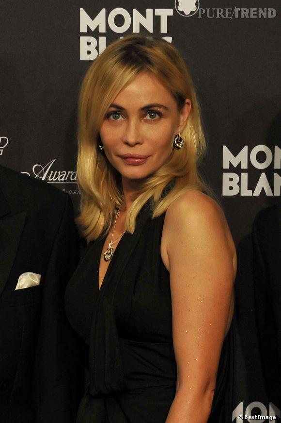 Emmanuelle Béart, beauté sans âge, elle condamne les complexes qu'elle avait à 20 ans.