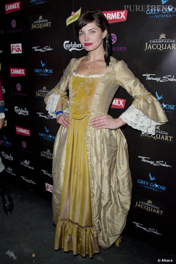 Delphine Chanéac et son magnifique costume au Bal des Princesses 2014.