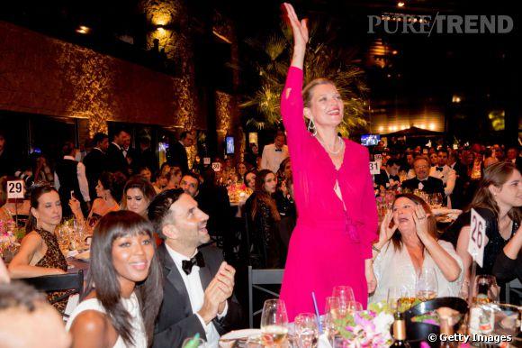 A côté de son pote Riccardo Tisci, Kate est super motivée.