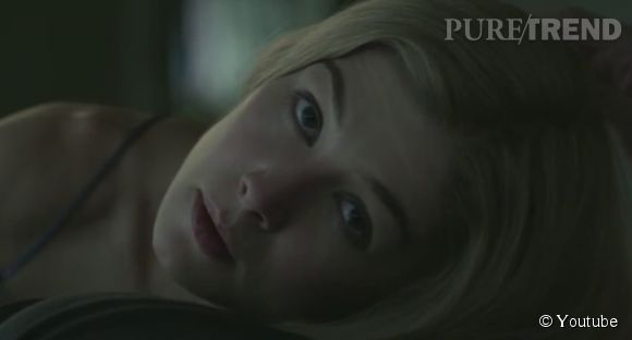 Rosamund Pike joue Amy Dunne, la femme disparue.