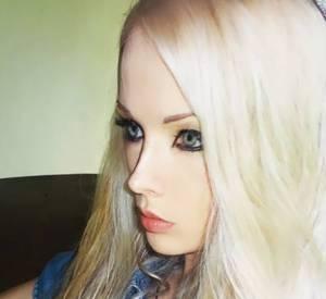 Valeria Lukyanova, Barbie statue.