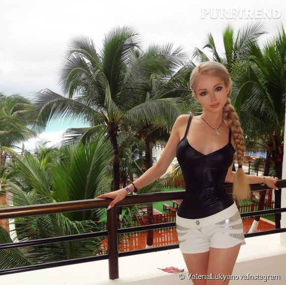 Valeria Lukyanova, Barbie en vacances.