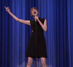 """Jimmy Fallon a défié Emma Stone au Lip Sync Battle sur le plateau de """"The Tonight Show"""" ce lundi 28 avril 2014."""