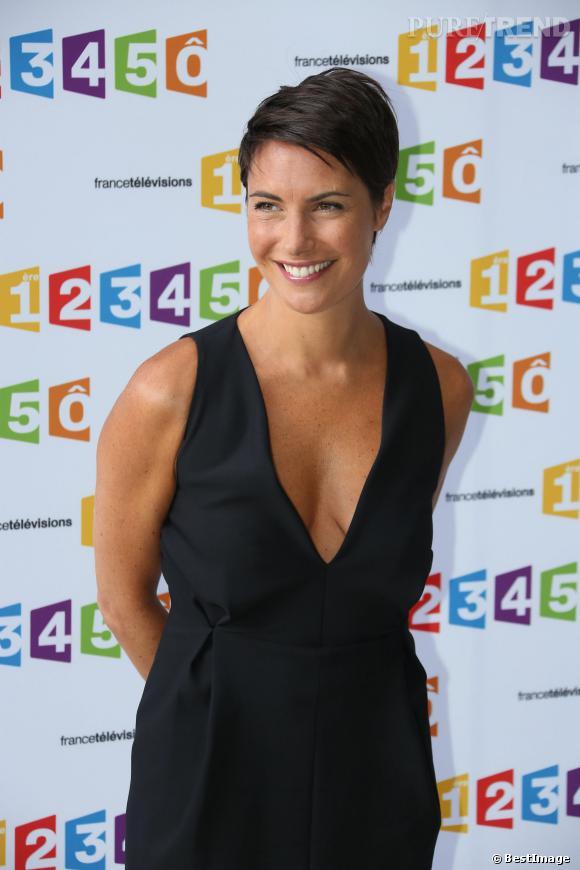 """Alessandra Sublet, direction la Corse pour le prochain numéro de """"Fais-moi une place"""" mettant à l'honneur Guy Bedos."""