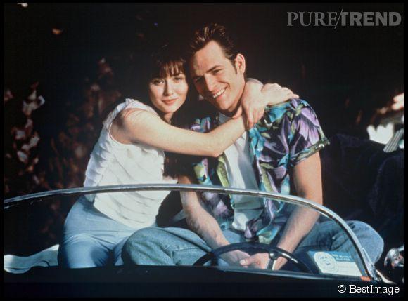 """Shannen Doherty et Luke Perry, les amoureux de la série """"Beverly Hills 90210""""."""