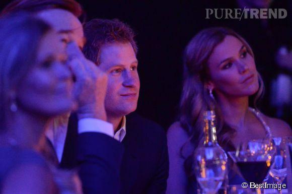 Le prince Harry n'a pas été seul à sa soirée de gala. Pour remplacer Cressida, il a demandé à Joss Stone d'être sa cavalière.
