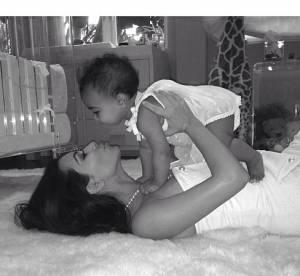 Kim Kardashian : sa 1ere fête des mères très fleurie avec North
