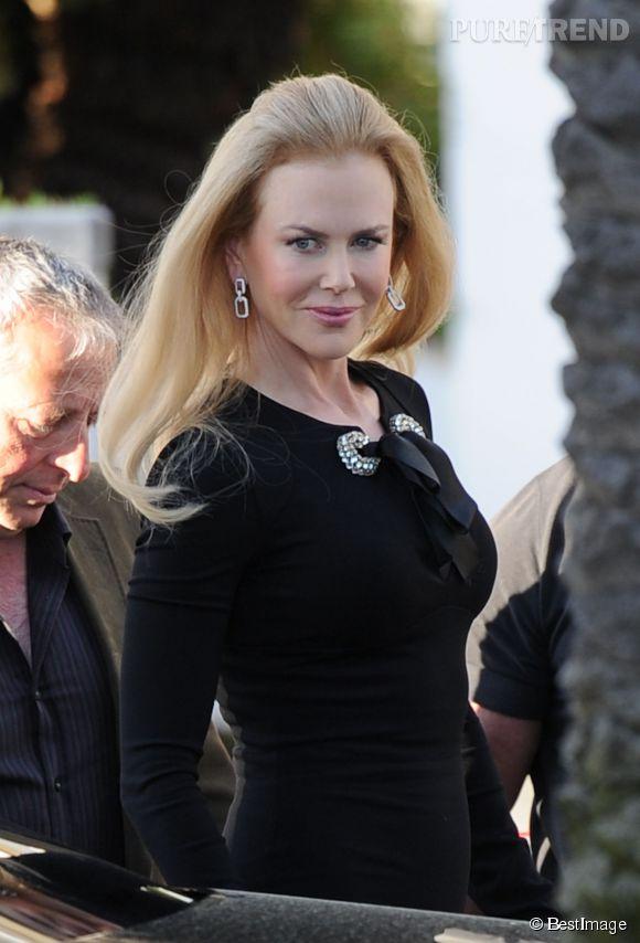 Nicole Kidman débarque sur la Croisette le 13 mai 2014 façon beauté sombre et allure rétro pour le Festival de Cannes 2014.