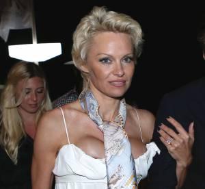 Pamela Anderson, alerte décolleté qui déborde sur la Croisette !