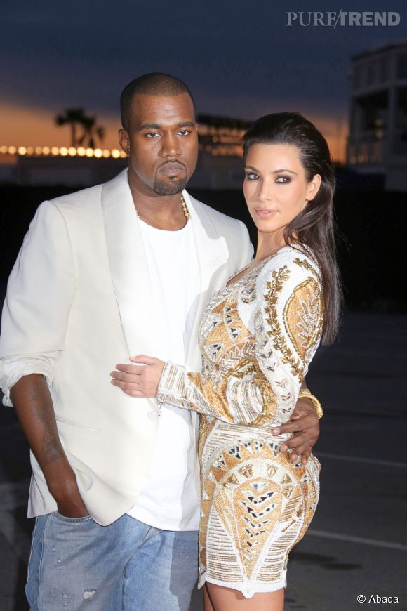 """Kanye West et Kim Kardashian : le mariage sera filmé pour """"L'incroyable Famille Kardashian"""" selon RadarOnline."""