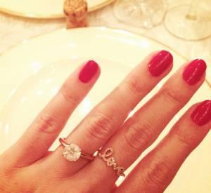 """Lauren Conrad a appris la nouvelle de ses fiançailles à ses followers par le biais de cette jolie photo """"selfie bague""""."""