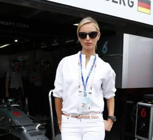 Karolina Kurkova, la plus jolie fille de F1... un look à copier !