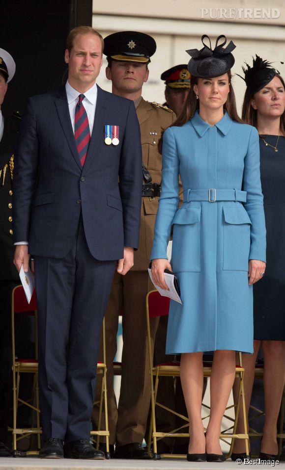 """Kate Middleton sur la """"Gold Beach"""" pour les 70 ans du Débarquement à Arromanches en Normandie le 6 juin 2014."""
