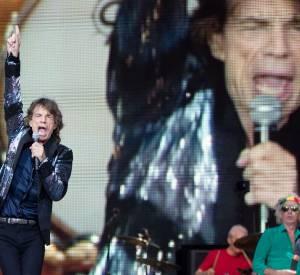 """Les Stones sur scène à Berlin pour le """"14 on Fire Tour"""" qui passe par le Stade de France ce soir."""