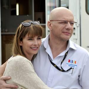 """Claire Keim et Samuel Le Bihan incarnent les époux Fignon dans le téléfilm """"La Dernière échappée""""."""