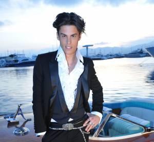 Baptiste Giabiconi, l'homme au regard de braise en 10 looks (très) insolites