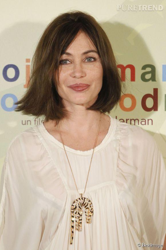 Emmanuelle Béart s'est confiée sur son enfance à Paris Match...