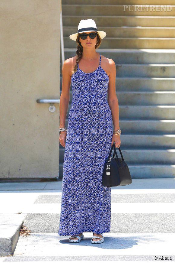 Stacy Keibler joue sur l'effet trompe l'oeil de sa robe imprimée le 24 juin 2014.