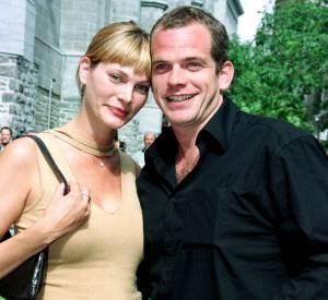 En 2000, Garou a un coup de foudre pour Ulrika. Elle lui donnera une fille un an plus tard : Emelie.