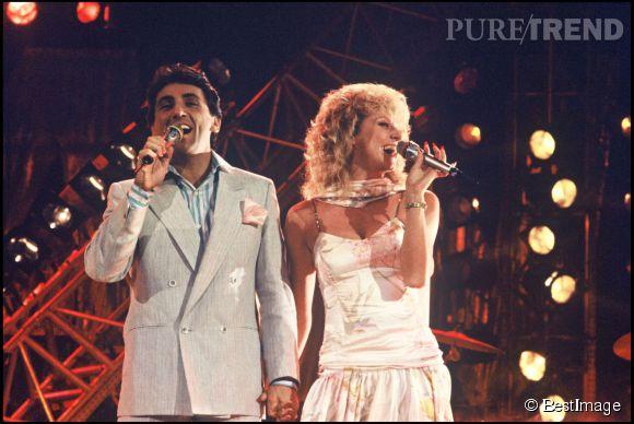 Peter et Sloane en 1985, chantant leur tube Besoin de rien, envie de toi.