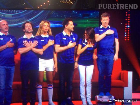 Arthur motive ses troupes pour supporter l'équipe de France de football.