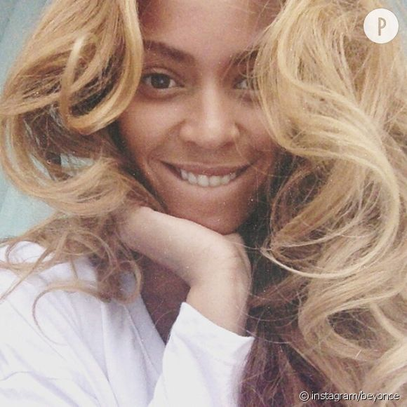 Beyoncé poste un nouvaeu selfie sans make up depuis sa tournée One the Run Tour.