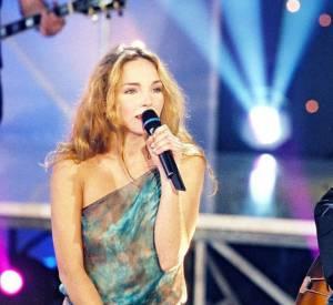 """Claire Keim se met à la chanson grâce à Marc Lavoine avec le duo """"Je ne veux qu'elle"""" au début des années 2000."""