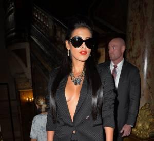 Ayem Nour : l'incroyable décolleté du défilé Versace
