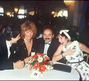 Valérie Mairesse entourée de Christian Clavier, Gérard Jugnot et Véronique Genest en 1984.