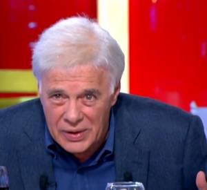 """Guy Bedos dans """"C à vous"""", une émission présentée par Anne-sophie Lapix en décembre 2013."""