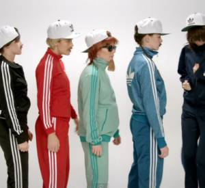 "Kristen Stewart, Anne Hathaway et Brie Larson dans le clip ""Just one of the guys"" de Jenny Lewis."