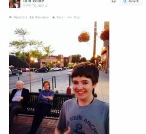 Le selfie de Tom White avec Paul McCartney et Warren Buffet en arrière plan le 13 juillet 2014.
