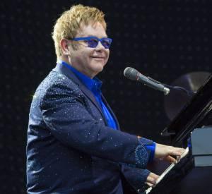 Elton John était coursier dans une maison de disque, pratique pour glisser quelques maquettes !