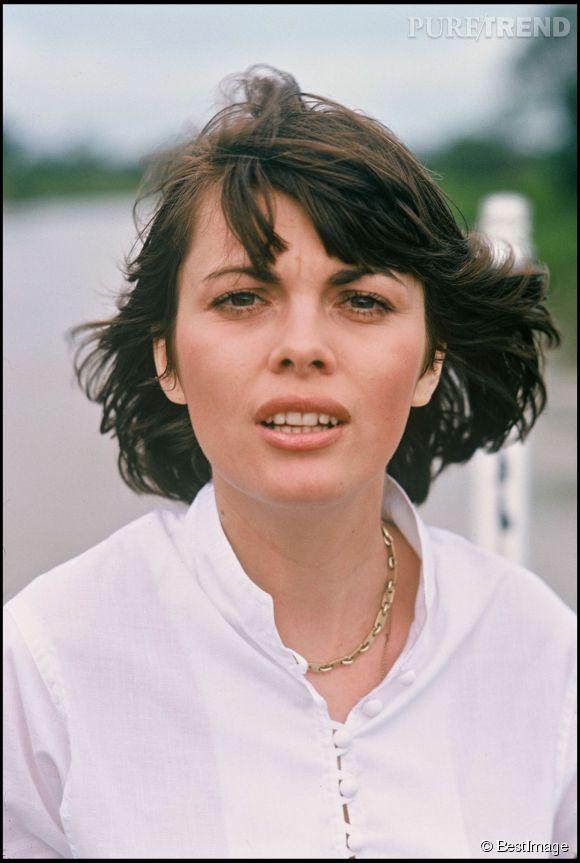 Mireille Mathieu, cheveux au vent.