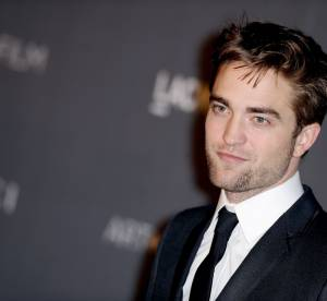 Robert Pattinson en couple avec une chanteuse anglaise ? La rumeur enfle