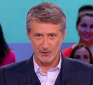 """Les excuses d'Antoine de Caunes dans le """"Grand Journal"""", ce lundi 1er septembre 2014, après l'incident """"Twitch""""."""
