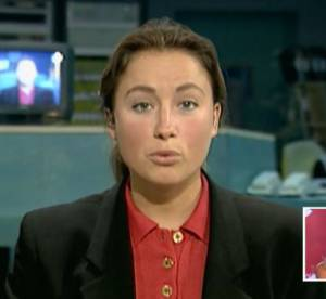 """Anne-Sophie Lapix : """"cheveux gras et tête de hamster"""", son premier JT"""