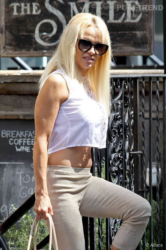 Pamela Anderson, toujours aussi bimbo !