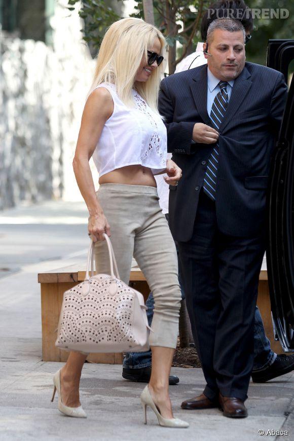 Pamela Anderson a de nouveau les cheveux longs.
