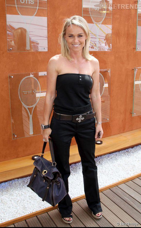 Cécile de Ménibus en petit bustier à Roland Garros en 2011.