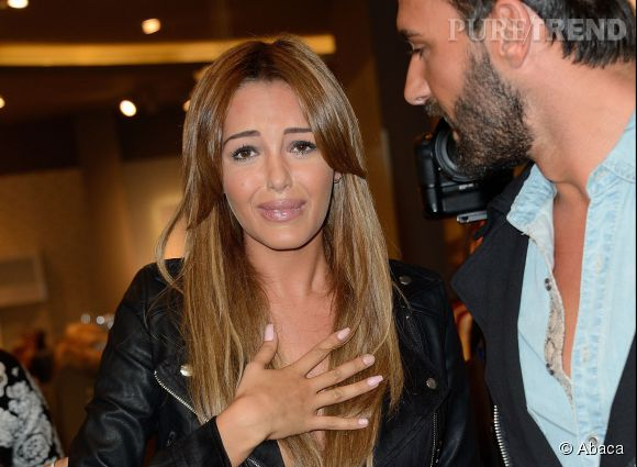 Nabilla Benattia, la tête de turc des stars ?