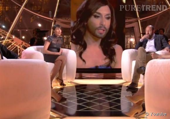 """Alessandra Sublet, hier soir dans """"Un soir à la Tour Eiffel"""" sur France 2."""