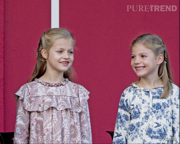 Letizia d'Espagne et ses filles Leonor et Sofia, tendre trio pour la fête nationale espagnole.