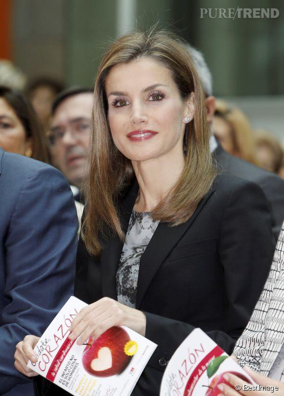Letizia d'Espagne était particulièrement rayonnante pour cette apparition officielle à l'occasion de la présentation du programme préventif Heart Guide pour un mode de vie plus sain.