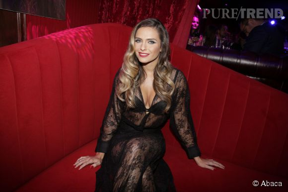 Clara Morgane toujours aussi sexy dévoilait en septembre dernier son nouveau calendrier.
